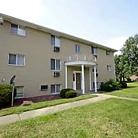 Lake Cable Village Apartments - Canton, OH 44718