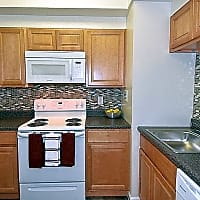 Lighthouse At Twin Lakes Apartment Homes - Beltsville, MD 20705