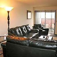 Walnut Glen Apartments - Columbus, OH 43232