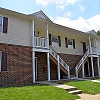 Hickory Trace Village - Hickory, NC 28601