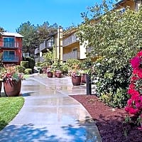 Edgewood Park Apartments - Bellevue, WA 98007