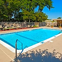 Valley Village Apartments - Golden Valley, MN 55422