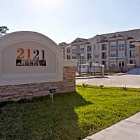 2121 Ella - Houston, TX 77008