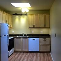 Camelot Apartments - Royal Oak, MI 48073
