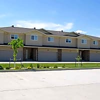 Town Square Townhomes - Fargo, ND 58104
