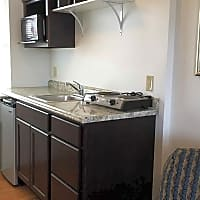 Travelers Suites & Melbourne Suites - Youngstown, OH 44512