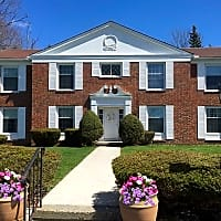 Woodruff Court - Litchfield, CT 06759