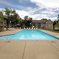 Woodridge Apartments - Rochester, MN 55902