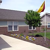Sun Valley Townhomes - Anderson, IN 46016