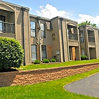 Chesterfield Place - Chesterfield, MO 63017
