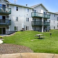 West Stonehill Apartments - Waite Park, MN 56387