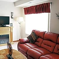 Lakeside Apartments - Sterling Heights, MI 48313