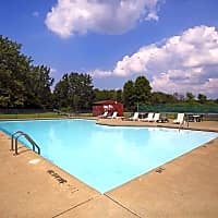 High Point In The Park Apartments - Elyria, OH 44035