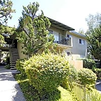 Oak Manor - Vista, CA 92084