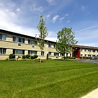 Honey Creek Apartments - Greenfield, WI 53220
