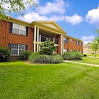 Rolling Hills Apartments - Louisville, KY 40241