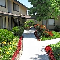 Glen Oaks Apartment Homes - Anaheim, CA 92801