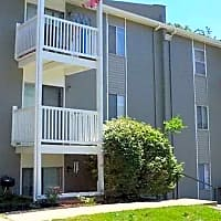 Broadway Ridge Apartments - Gladstone, MO 64118