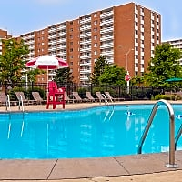 Pine Ridge Apartments - Willoughby Hills, OH 44094