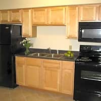Holland Crossing Apartments - Maumee, OH 43537