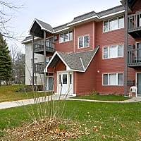 Woodridge Apartments - Northfield, MN 55057