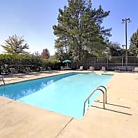 Royal Hills Apartments - Tuscaloosa, AL 35406