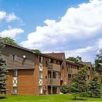 Meadowbrook Village Apartments - Auburn Hills, MI 48326