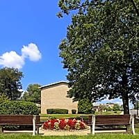 Woodcrest Apartments - Glen Burnie, MD 21061