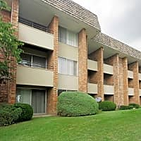 Regency Park Apartments - Grand Rapids, MI 49506