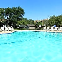 Bremerton Park Apartments - Prairie Village, KS 66204