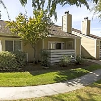 Willow Ridge Apartments - Clovis, CA 93612