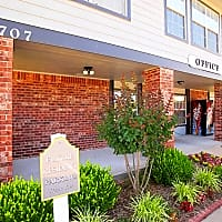 Pryor Creek Apartments - Pryor, OK 74361