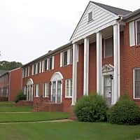 Berkeley Place/Warwick Place - Richmond, VA 23224
