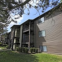 Long Acres Apartments - Cincinnati, OH 45245