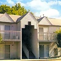Greyberry Apartments - Waterford, MI 48328