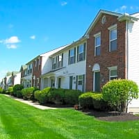 Creekside Townhomes / Cherryhill - Columbus, OH 43228
