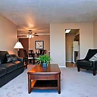 Foxridge Apartments - Omaha, NE 68164