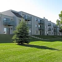 Woodmere Apartments - Woodbury, MN 55125