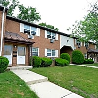 Fox Ridge Apartments - Hi Nella, NJ 08083