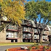 Burnsville Parkway Apartments - Burnsville, MN 55337