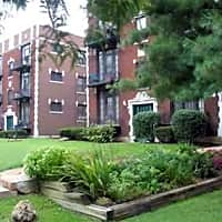 Oak Park Apartments - Saint Louis, MO 63139