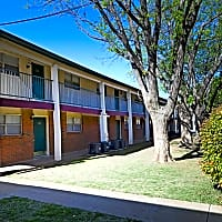 University Club Apartments - Lubbock, TX 79407