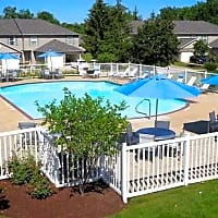 Mannington Place Townhomes - Stow, OH 44224
