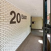 20 E Scott - Chicago, IL 60610