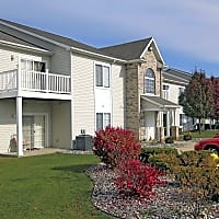 Saddleback Ranch Apartments - Charlotte, MI 48813