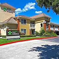 Cerano murphy ranch road milpitas ca apartments for rent for Cheap 2 bedroom apartments in san jose