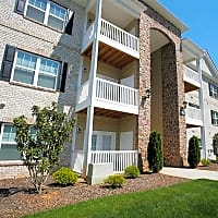 Hawthorne Crossing Apartment Homes - Greensboro, NC 27409