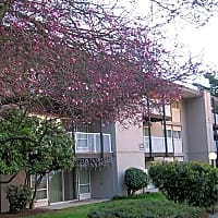 Village Lane & Somerset West - Burien, WA 98148