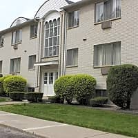 Country Club Manor Apartments - Flint, MI 48507