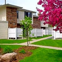 Auburn Townhomes - Hopkins, MN 55343